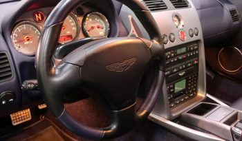 Aston Martin Vanquish V12 completo