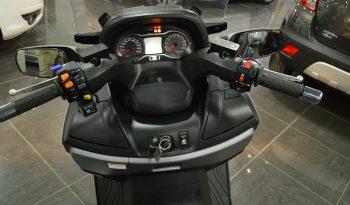 Suzuki Burgman 650 Executive (mate) completo