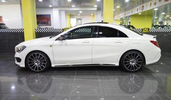 Mercedes-Benz CLA 250 «AMG» completo